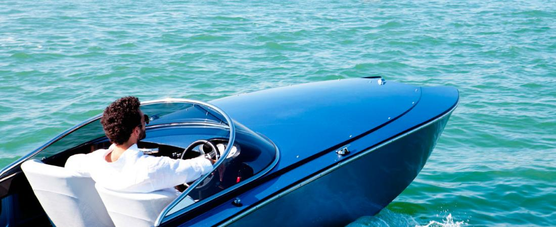 giorgetti-535-black-edition-speed-boat-5.png
